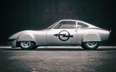 Opel conmemora los récords del 'Elektro GT'