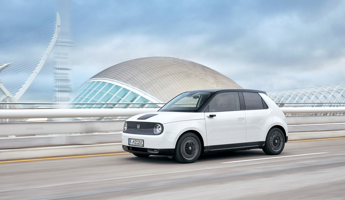 Honda e, ya disponible la apuesta urbana y retro del gigante japonés
