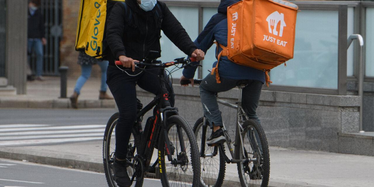 Entra en vigor la Ley Rider para acabar con los falsos autónomos entre los repartidores