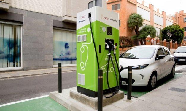 Mislata instala los primeros puntos de recarga públicos para coches eléctricos