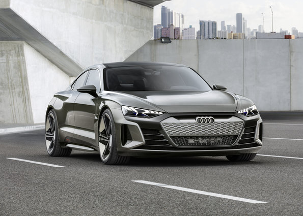 A la caza del Tesla Model S: Audi muestra su berlina e-tron GT