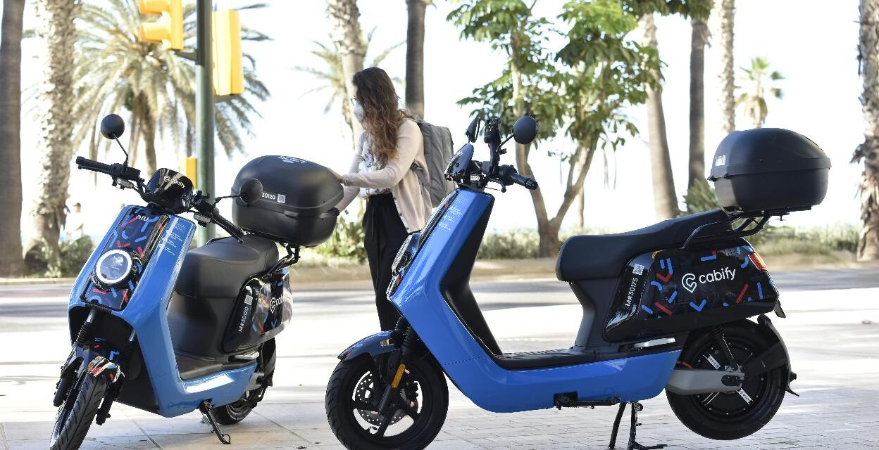Cabify amplía su oferta de movilidad a motos eléctricas en Málaga