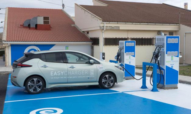 Nissan y Easycharger comienzan la instalación de cien puntos de carga rápida