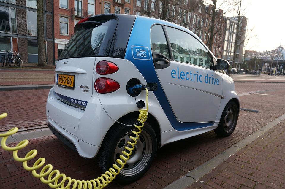 Holanda bajará impuestos a los coches eléctricos para impulsar sus ventas