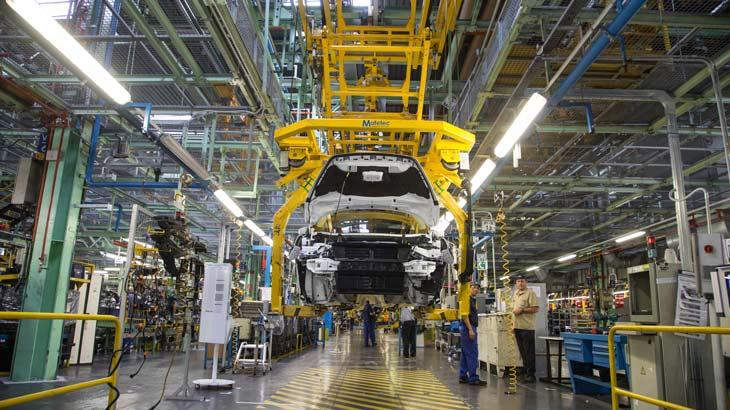 Ford planea ensamblar baterías para vehículos electrificados en la planta de Almussafes
