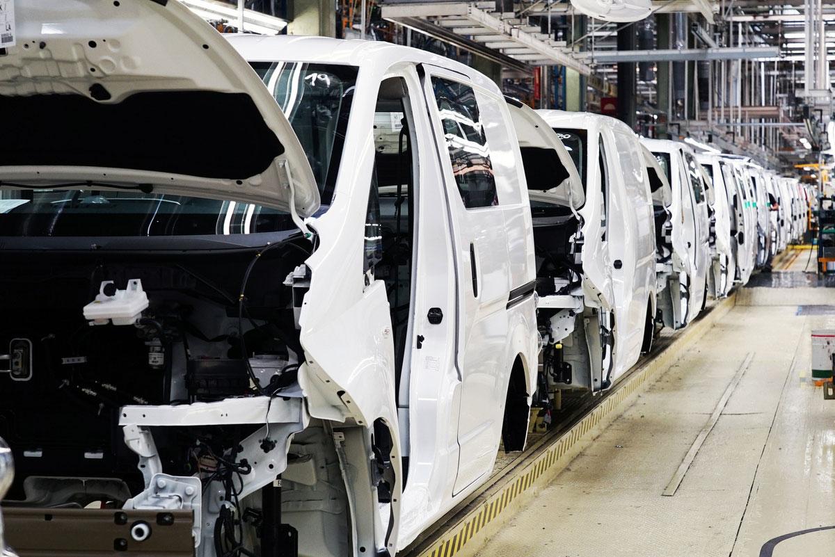 Nissan Motor Ibérica aumenta de nuevo la producción de la furgoneta 100% eléctrica e-NV200 en Barcelona