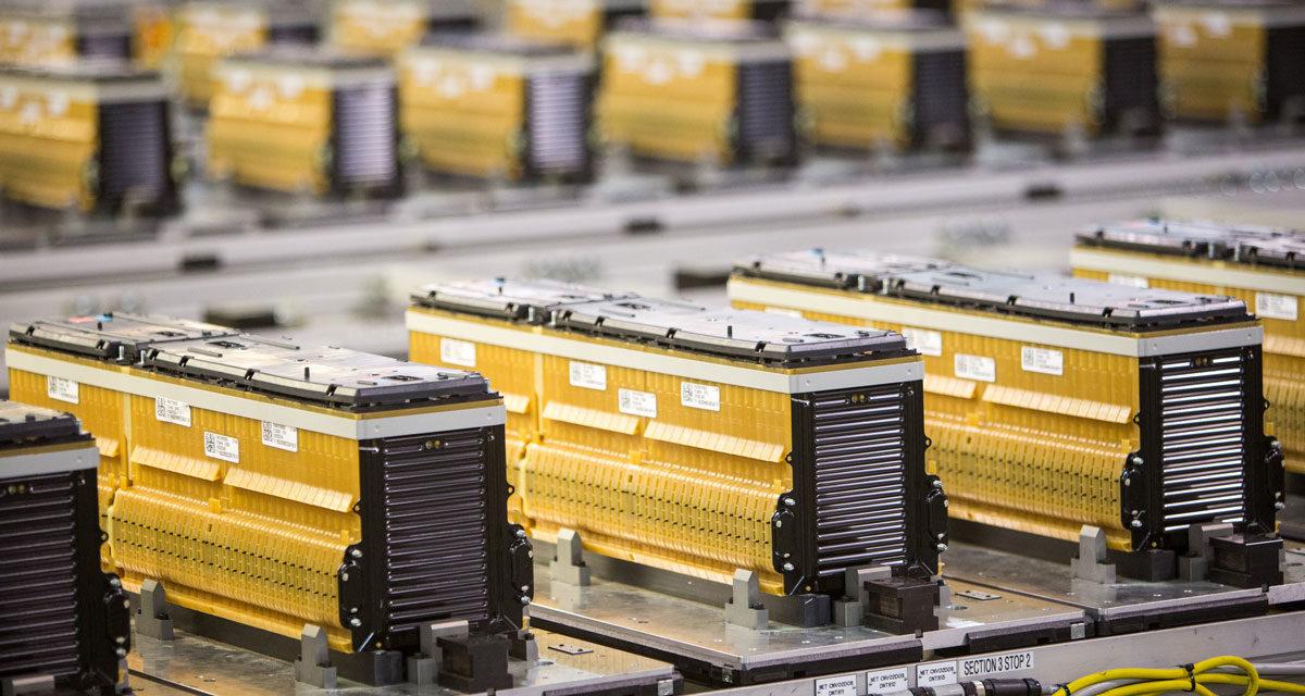 La mano que fabrique la pila dominará el mercado del transporte eléctrico