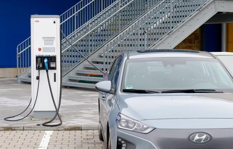 IKEA ofrecerá puntos de recarga para coches eléctricos de forma gratuita