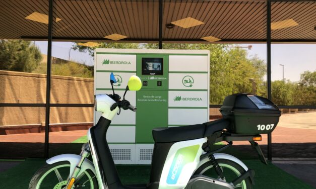 Iberdrola, Cooltra e Inetum despliegan bancos de carga de motos eléctricas