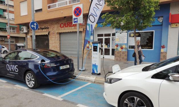 Torrent arranca su plan de movilidad urbana con el primer punto de recarga para vehículos eléctricos
