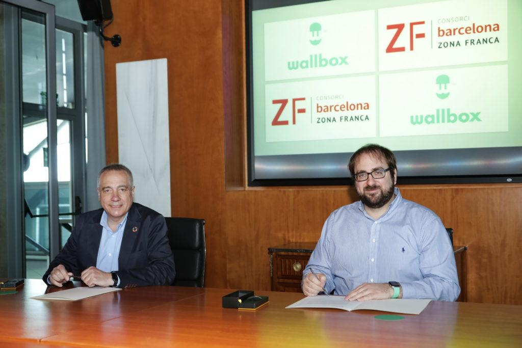 Enric Asunción, CEO de Wallbox, y Pere Navarro, delegado especial del Estado en el Consorci de la Zona Franca de Barcelona.