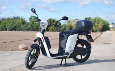 Askoll eS3, un scooter eléctrico polivalente