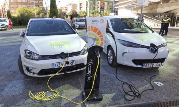 Los vehículos 100% eléctricos quedan exentos de pagar la ORA en València