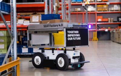 Seat estrena en Martorell dos robots móviles autónomos para ganar eficiencia