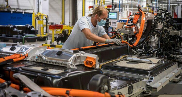 El sector del automóvil apuesta por reciclar baterías de coches eléctricos