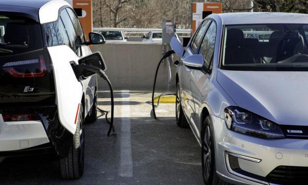 Las matriculaciones de turismos eléctricos crecen pero siguen sin despegar