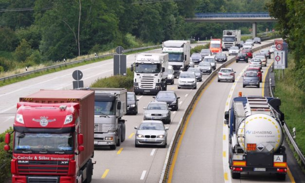 Bruselas respalda la reducción de las emisiones de los camiones