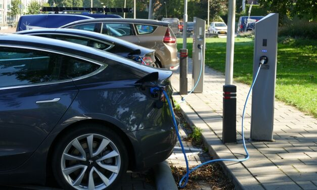 El Ivace publica la ampliación en 4 millones de euros de las ayudas para la adquisición de vehículos eléctricos