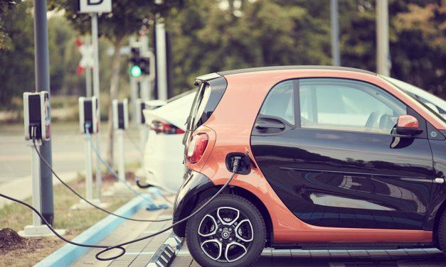 España cuenta con casi 5.000 puntos públicos de recarga para vehículos eléctricos