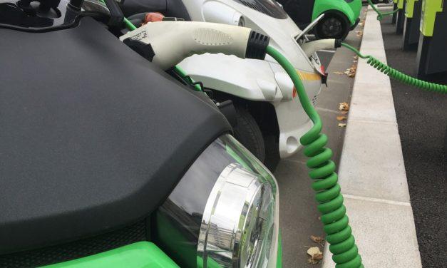 El Congreso reclama al Gobierno que incentive la compra de vehículos eléctricos