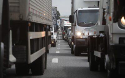 Casi un tercio de los camiones que circulan en España emiten niveles peligrosos de contaminación del aire