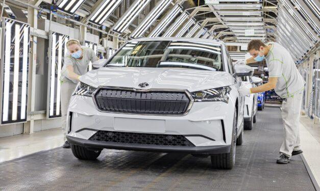 Skoda arranca la producción de su primer coche eléctrico, el ENYAQ iV, del que ya conocemos precios