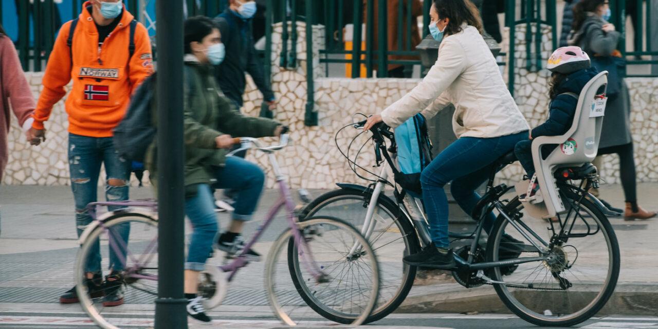 El segundo informe de la Agencia de la Bici refleja un incremento del uso de este vehículo en mujeres de 25 a 55 años