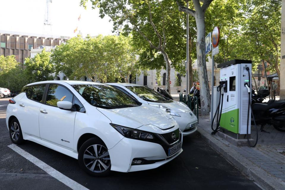 Las organizaciones T&E y Ecodes piden a Gobierno más inversión para impulsar recarga eléctrica