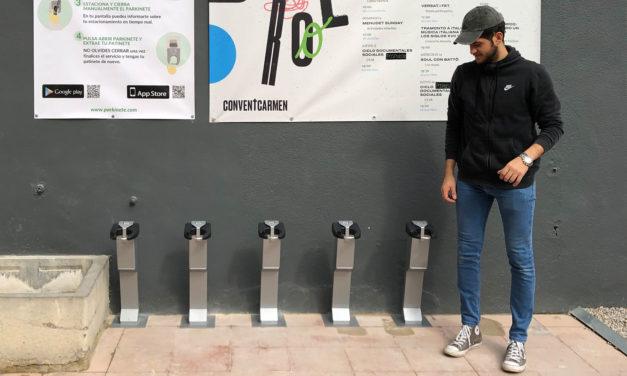 Parkinete instala su primer aparcamiento inteligente de patinetes en Convent Carmen