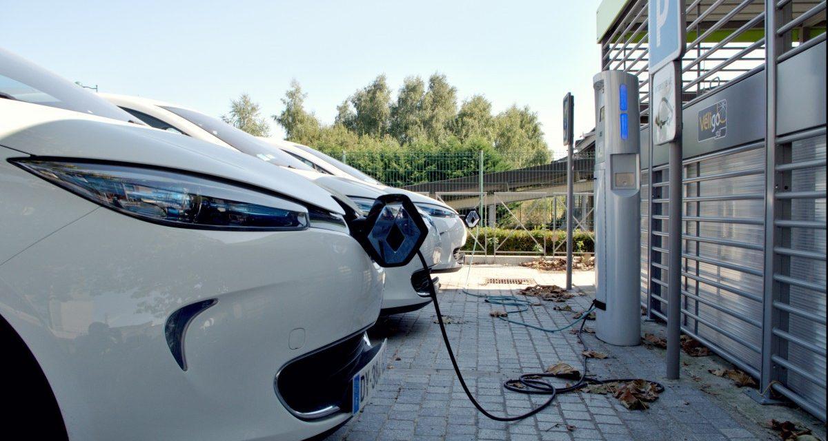 Tres de cada diez conductores españoles comprarían un coche eléctrico
