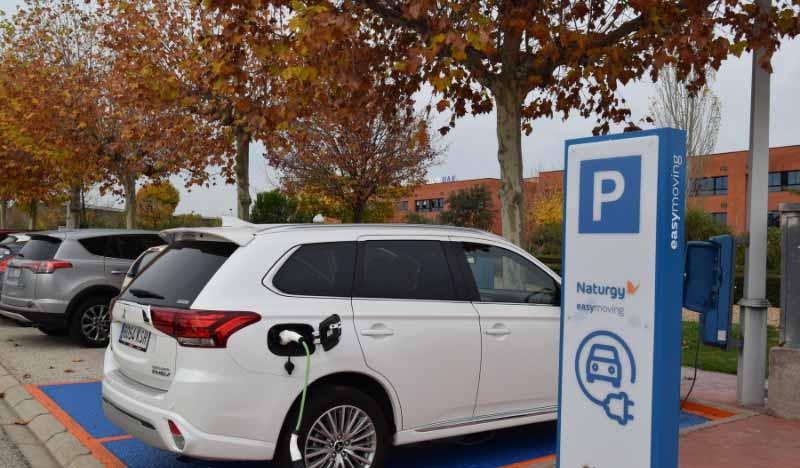 Naturgy prevé construir una red de 1.100 puntos de carga para coche eléctrico