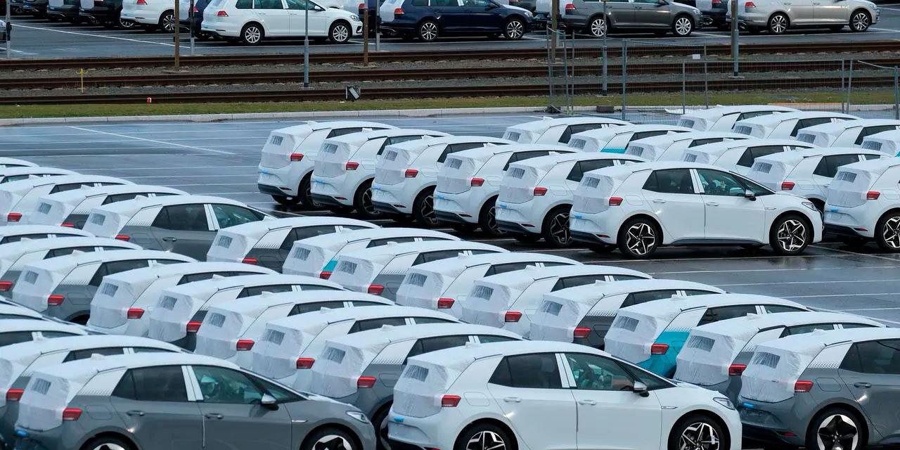 La demanda de coches eléctricos e híbridos pega un acelerón en Europa