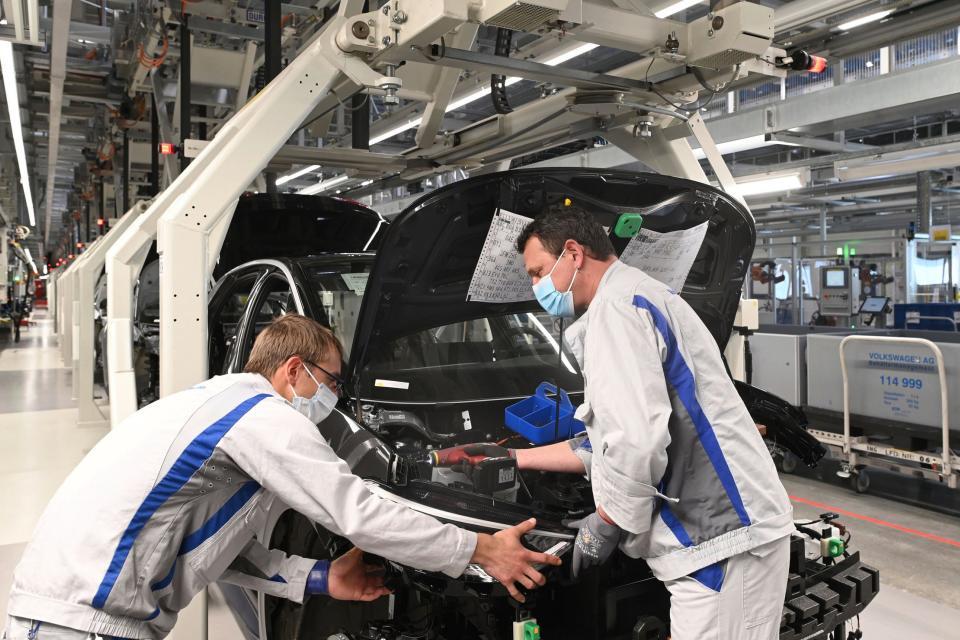 España a la cola en el reparto de inversión en automóviles eléctricos y baterías