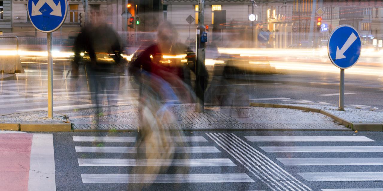 Más de cincuenta ayuntamientos incluyen pasos de peatones inteligentes